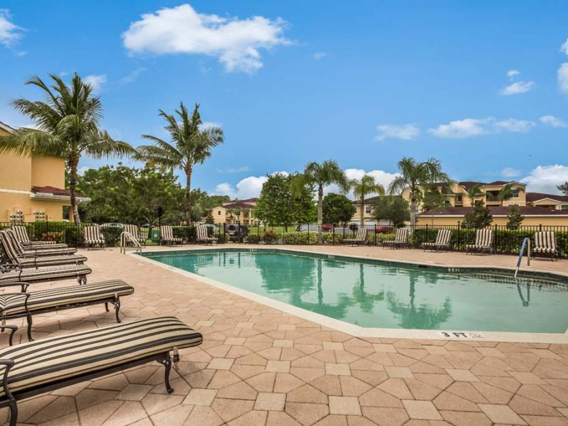 apartments_for_rent_naples_florida_tgm-malibu_lakes_apartments_22