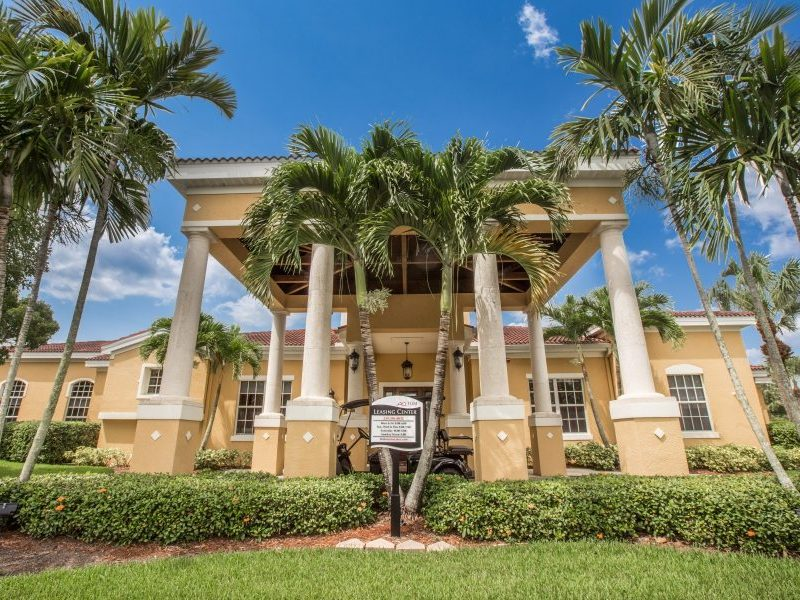Apartments_For_Rent_-_Naples_-_FL-5[1]