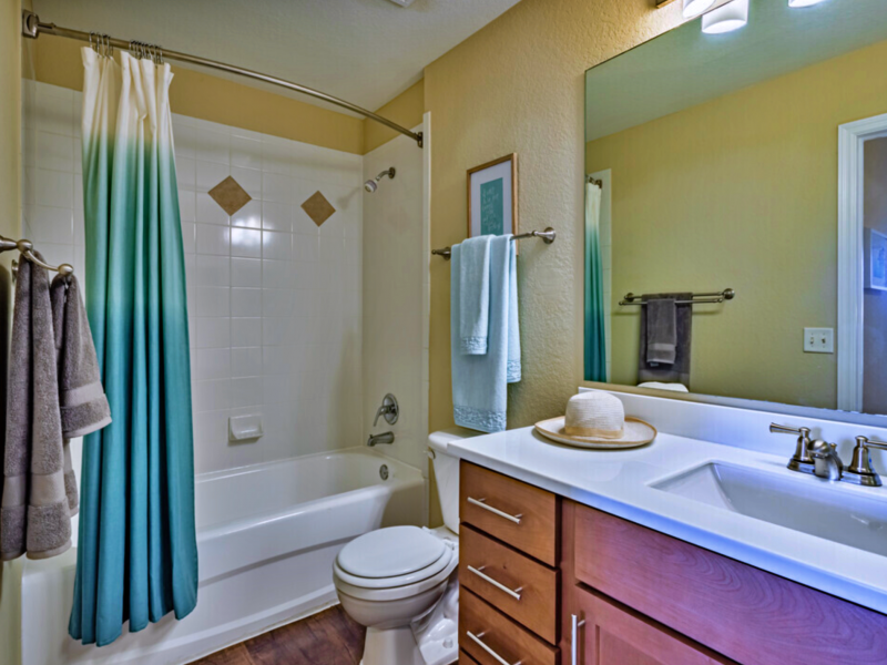TGM Malibu Lakes Apartments Bathroom 3