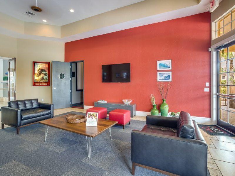 TGM Malibu Lakes Apartments Cafe Lounge 3