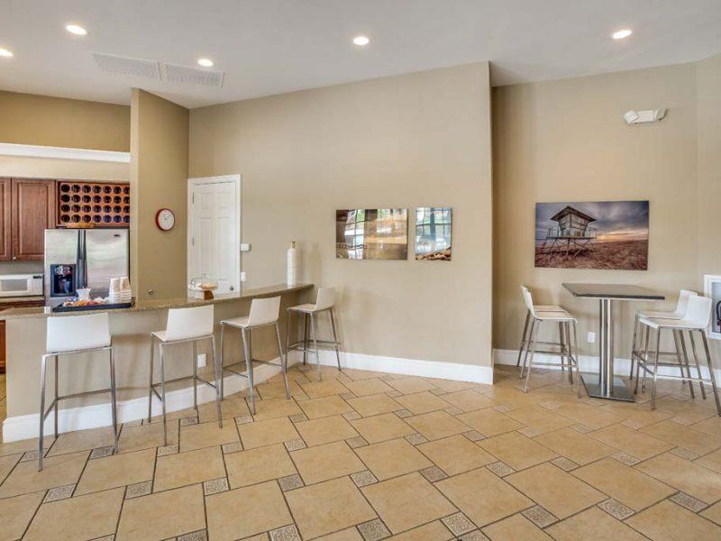 TGM Malibu Lakes Apartments Cafe Lounge 5