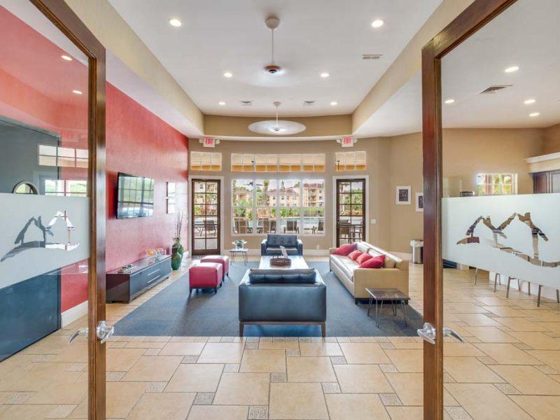TGM Malibu Lakes Apartments Cafe Lounge